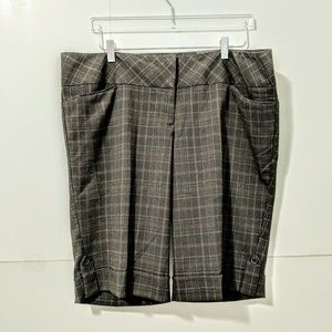 Torrid | NWT Brown Plaid Bermuda Shorts 18